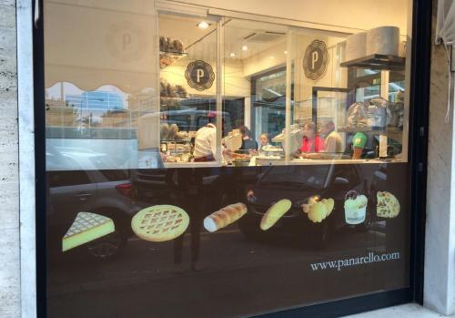 Restyling negozio in Via Caprera 4/F R a Genova - Settembre 2015