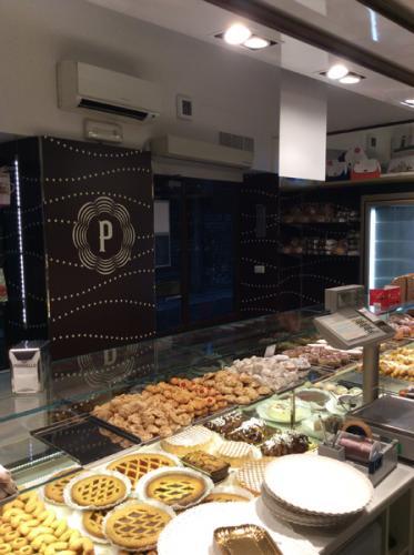 Restyling negozio in Via Speronari, 3 a Milano - Novembre 2014